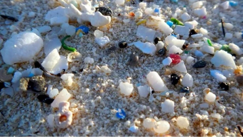 11 éves antarktiszi jégmintában találtak mikroműanyagot!