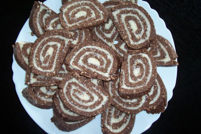 Isteni finom kókusztekercs az olcsó sütésmentes finomság!