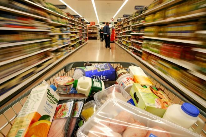 Magyarországon rosszabb minőségű termékeket árulnak a multik!