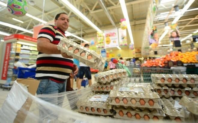 Hatalmas változás jön az élelmiszerboltokban!