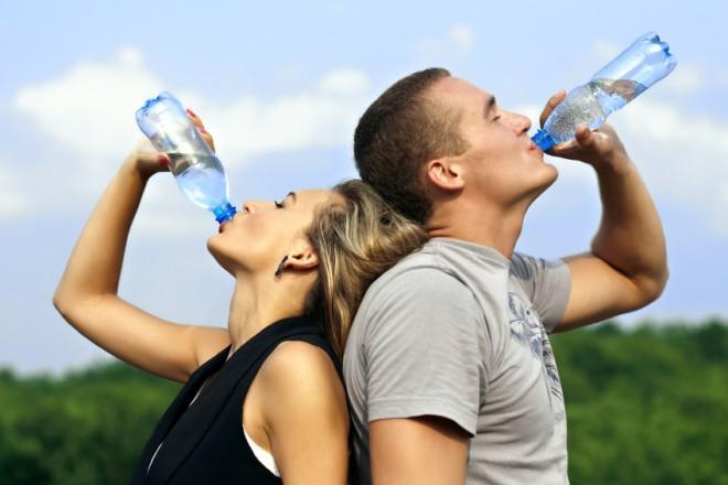 Így fogyasszon vizet ha fogyni akar!
