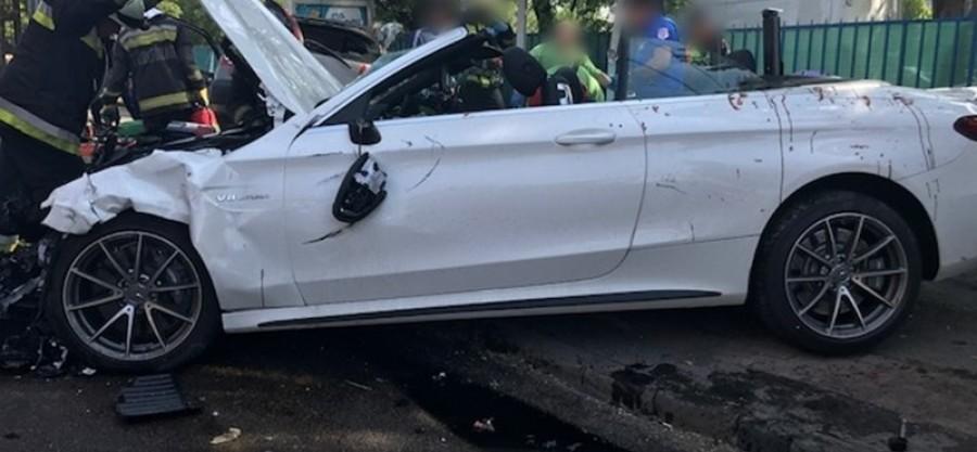 Fél órája vásárolta a maffiózó a Mercedest, amivel megállóba csapódott Budapesten!