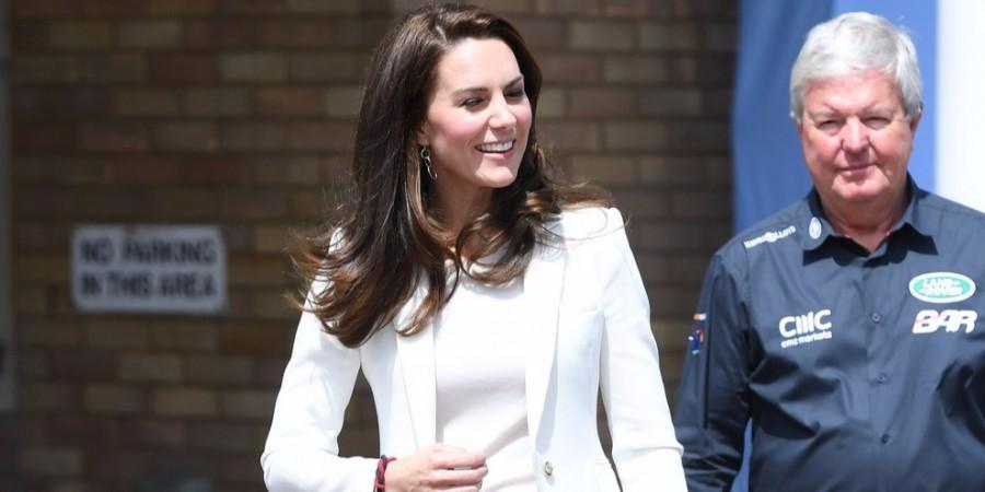 Katalin hercegné olyan rövid nadrágot vett fel... Mit szól ehhez II. Erzsébet?