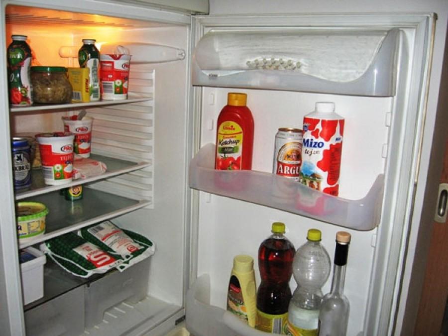 Ha havonta egyszer megcsinálod ezt a hűtőddel, sokkal kevesebbet fog fogyasztani!