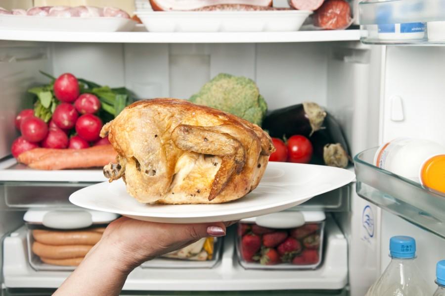 Ezért ne tárolj húst a hűtő felső polcán!