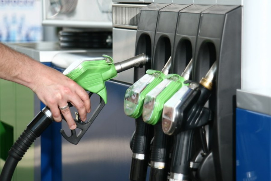Brutális üzemanyag drágulás fog következni! Jöhet a 400 forintos üzemanyag!