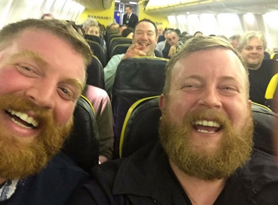 Ez a férfi saját magával találkozott a repülőgépen, de itt nem ért véget a történet!