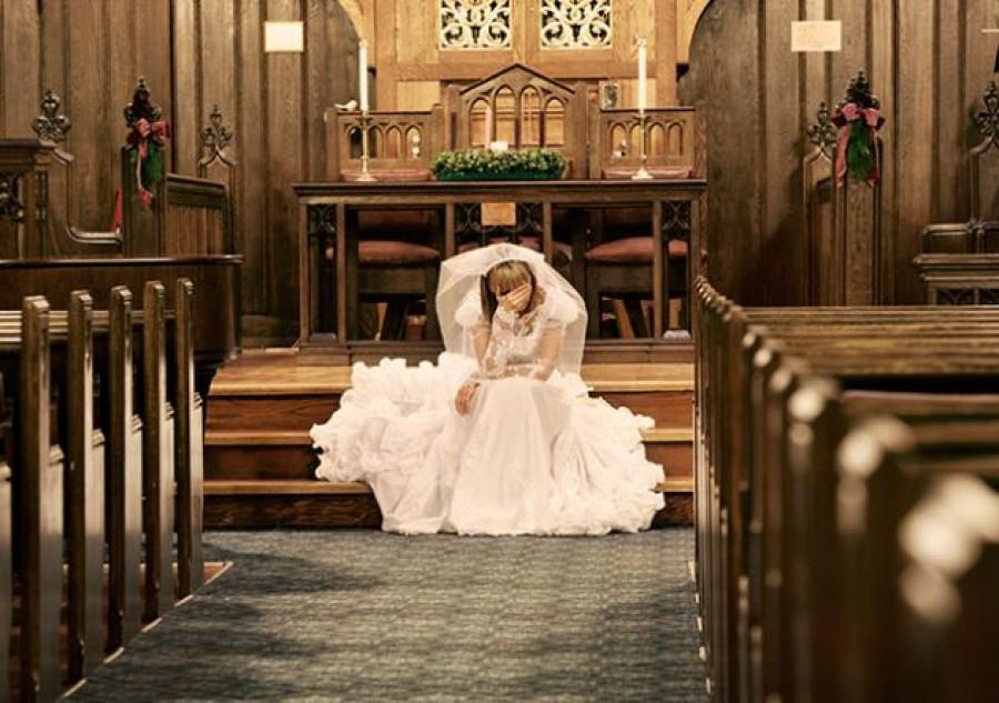 A fiatal lánynak lemondták az esküvőjét; nem találod ki mit tett ezután!