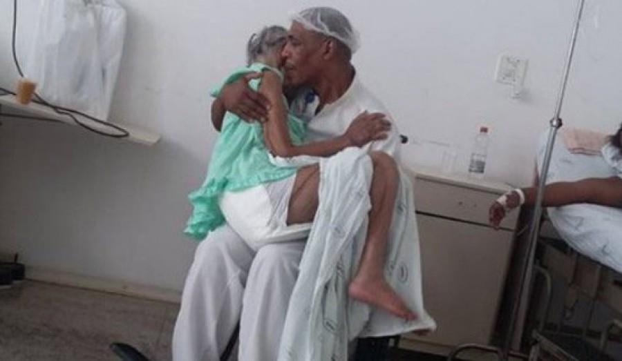 Csak a barátnőjét akarta meglátogatni a kórházban, de amit ott látott attól elállt a szava!
