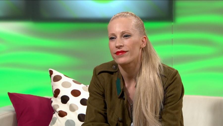 Ijesztővé vált a magyar énekesnő arca, sokkolta rajongóit!