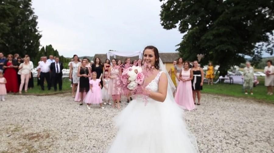 Elképesztő mi történ a magyar pár esküvőjén! Szem nem marad szárazon! (VIDEO)