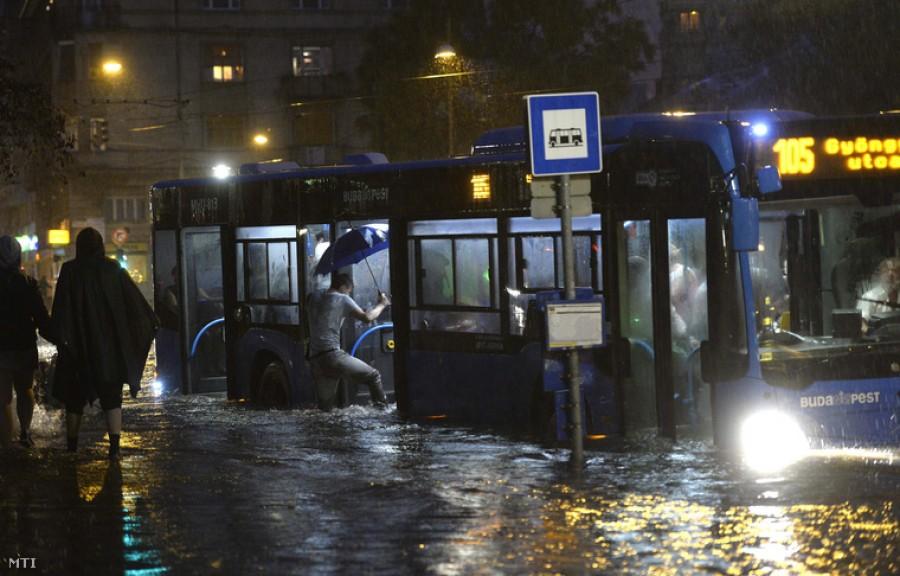 Olyan vihar éri el hamarosan országunkat amire nagyon ritkán van példa!