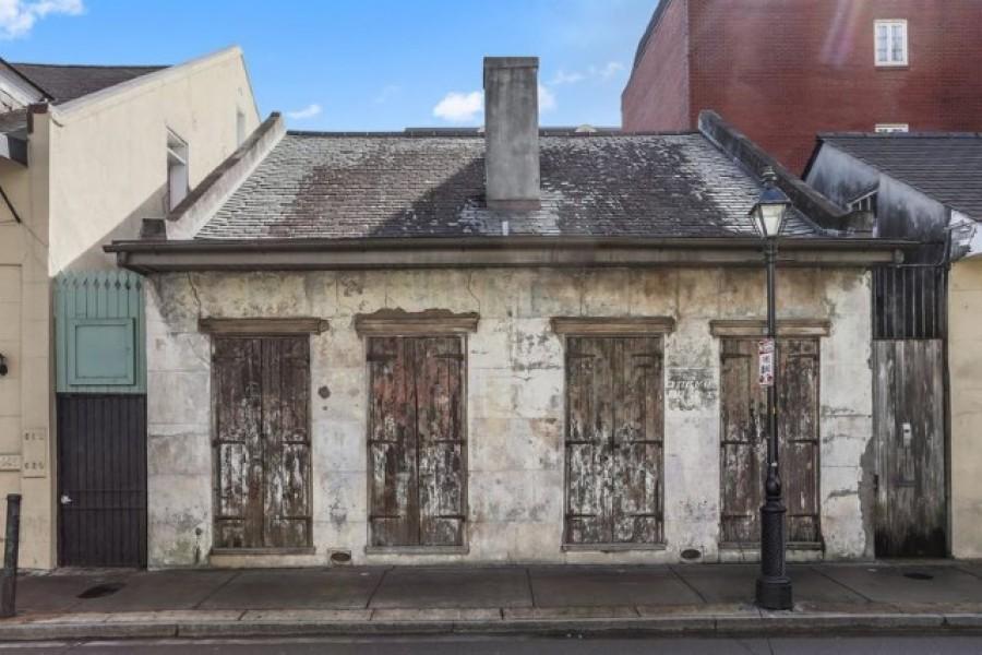 Nem fogod elhinni, hogy mit találtak a 200 éves omladozó épület belsejében!