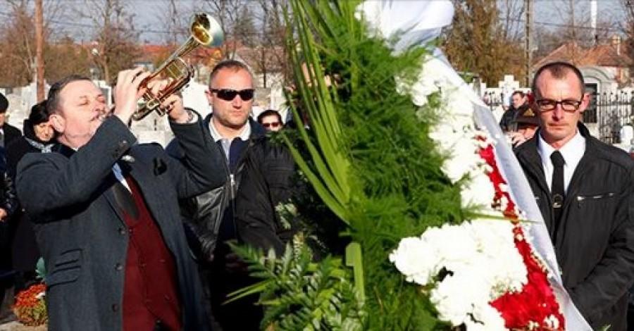 Így trombitált Lajcsi, Stadler József temetésén