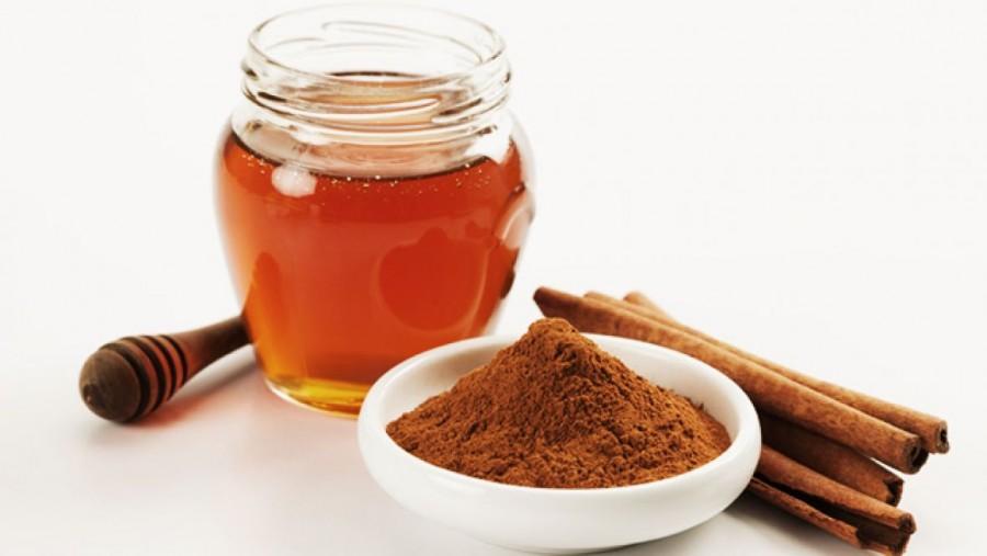 Még az orvosok sem értik, a méz és fahéj keverékének elképesztő hatásait!