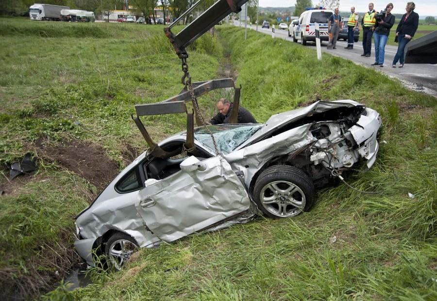 Családjával szenvedett autóbalesetet a magyar énekesnő!