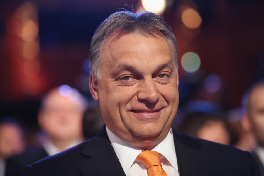 Felháborító! Orbán Viktor levélben kér pénzt a választóktól!