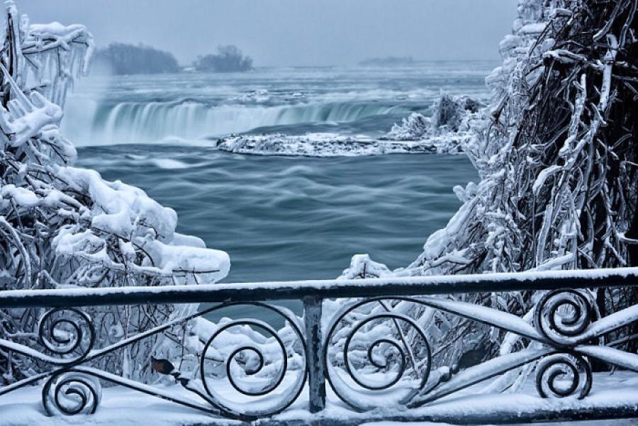 Mesébe illő látvány a befagyott Niagara vízesés, nem fogsz hinni a szemednek!