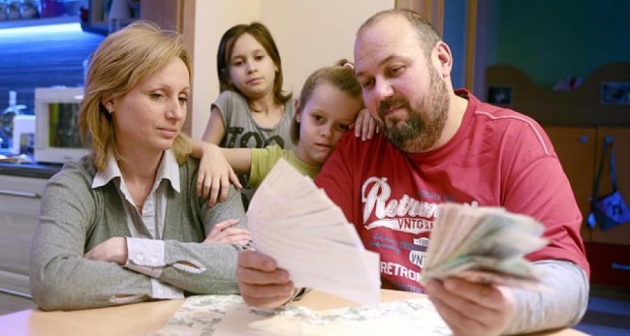 Már biztos! Csökken a családi pótlék, nemrég jelentették be a magyar családok számára!