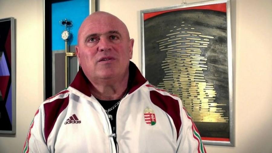 Döbbenetes körülmények közt él a világ egyik legerősebb embere Nick Árpád!