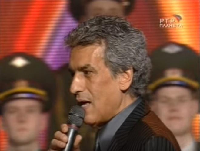33 évvel ezelőtt énekelte először Toto Cutugno ezt a dalt. Azóta az egész világ folyamatosan dúdolja!