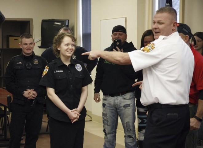 Egy 16 éves lány álma volt, hogy lelőjön egy rendőrt!