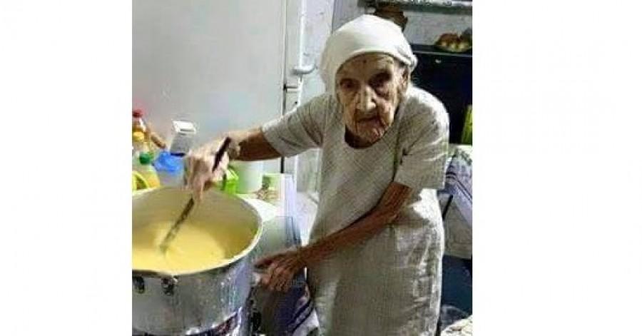 Kíváncsi vagyok hányan osztják meg ezt az idős nőt, aki egész életében a szegényeknek főzött!